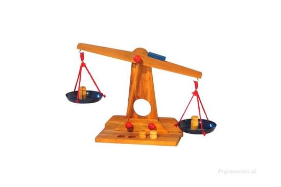 Drevené dvojramenné váhy