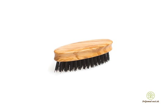 Kefa na bradu a fúzy z olivového dreva