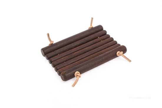 Drevená mydelnička - termodrevo s koženou šnúrkou