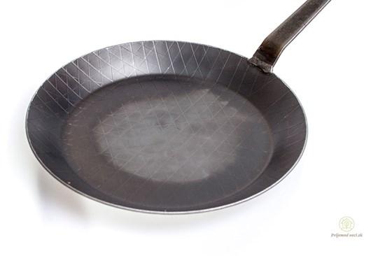 Plytká železná panvica - 28cm
