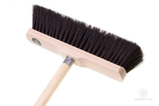 Drevená metla s konským vlasom - prírodná farba
