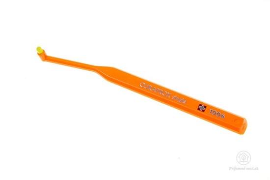 Jednozväzková zubná kefka Curaprox Single - oranžová